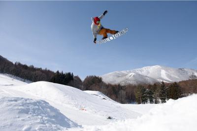 スノーボード【キッカーに向いている板の選び方】