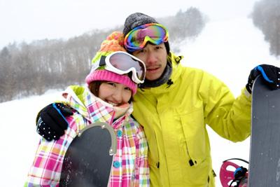 スキー・スノボに出会いはある!!【女性と一緒に滑れる5つの方法とは?】
